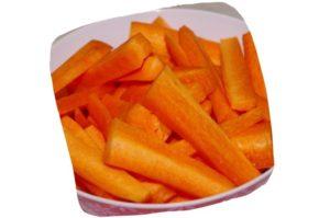 Recette du filet mignon sauté aux noix de cajou : bâtonnets de carotte