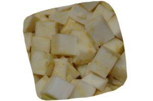 Recette de la purée de pâtes, céleri et carotte pour bébé : dés de céleri rave