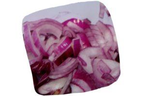 Recette de sauté de boeuf thaï au wok : échalotes émincées