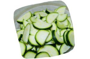 Recette de la salade de fenouil au poulet : tranches de courgette